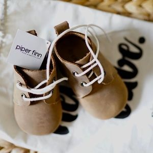 Leather Oxfords - PIPER FINN (PRICE IS FIRM)